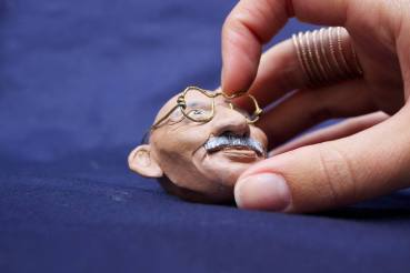 gandhi-clay, aquarelle,wire-3X4-1